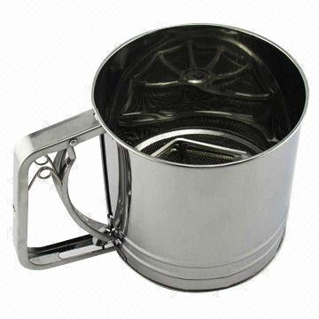 Spring action flour sifter - 5 cup