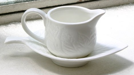 Rockingham mint sauce boat with saucer